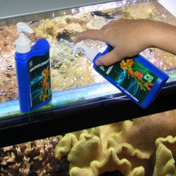 Wprowadzenie nawozów mineralnych do akwarium.